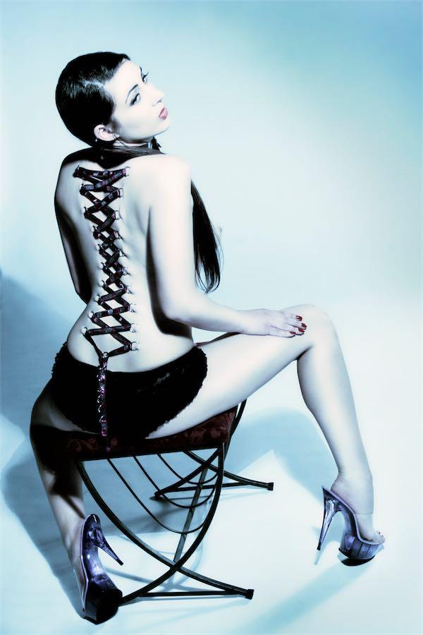 Body Modification Back Piercing