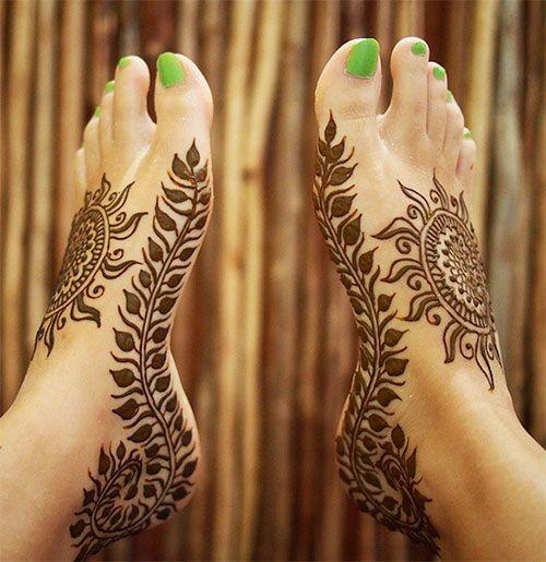 Striking Sun Arabic Mehndi Designs