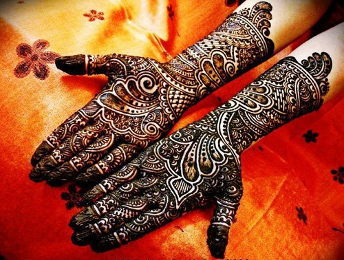 Beautifully Detailed Bridal Mehndi Designs