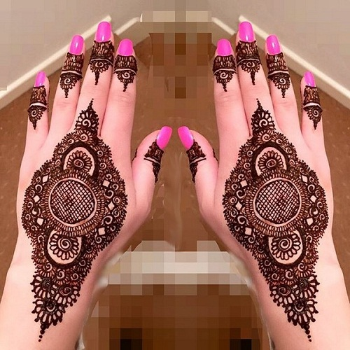 Intricate and Stylish Bridal Mehndi Designs