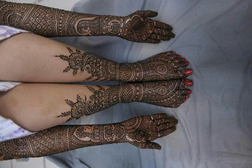 Intricate Arab Bridal Mehndi Designs