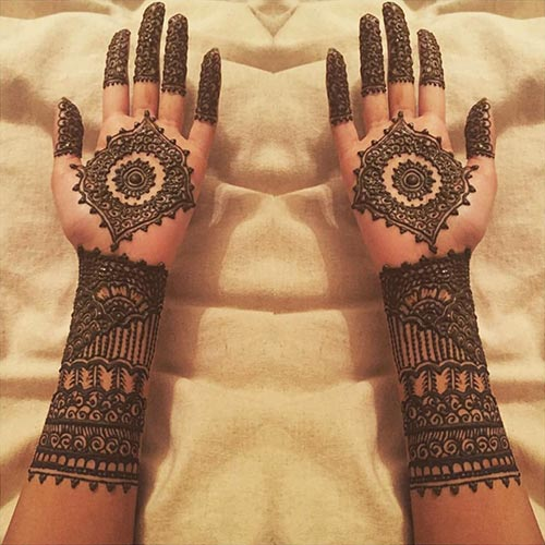 Outstanding Sun Bridal Mehndi Designs