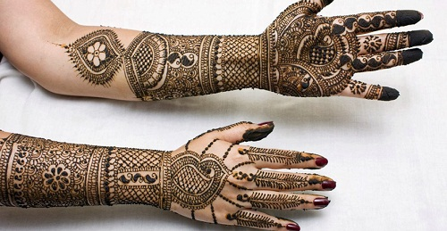 Well-Detailed Bridal Mehndi Designs