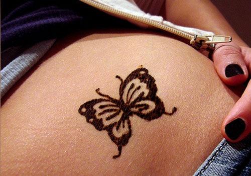 Butterfly on Tummy Simple Mehndi Designs