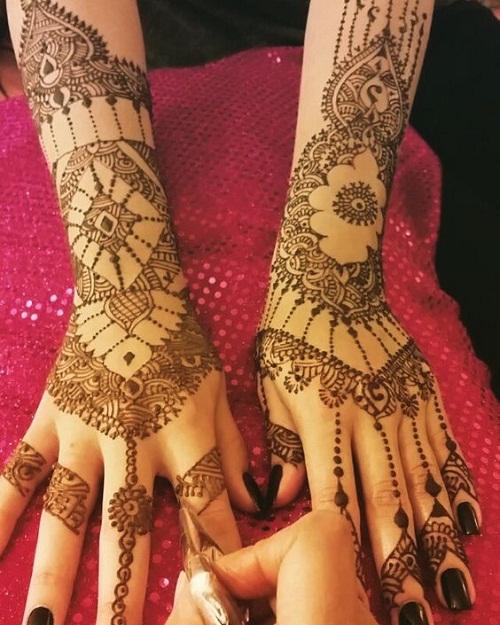 Charming Arabic Mehndi Designs