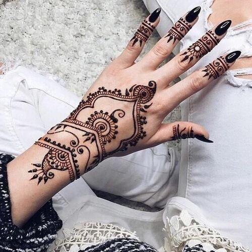 Inspiring Hand Arabic Mehndi Designs