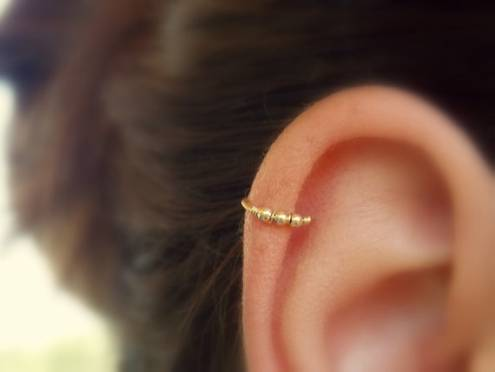 Beaded cartilage earring - Helix hoop - Cartilage piercing - Helix jewelry - Minimal Helix jewelry - Tiny Hoop - piercing hoop