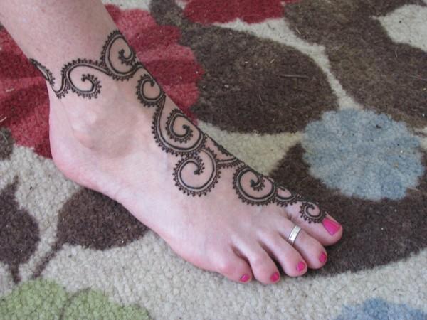 Henna Cool Tattoo On Foot