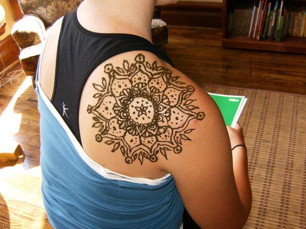 Shoulder Henna Tattoos Design
