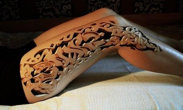 Female Thigh Tattoo