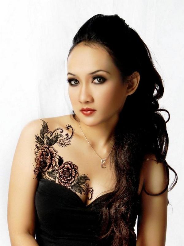 Glamorous Chest Tattoos