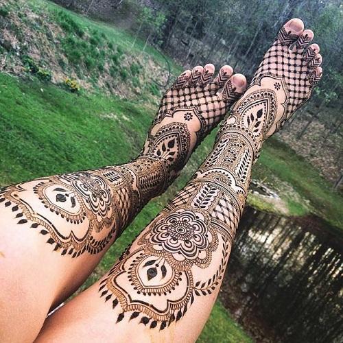 Detailed Foot Arabic Mehndi Designs