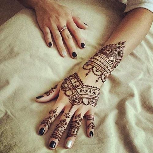 Fascinating Arabic Mehndi Designs