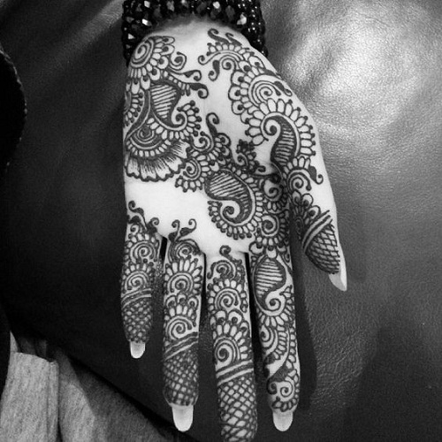 Inspiring Palm Arabic Mehndi Designs