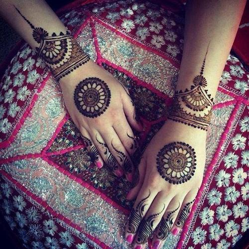 Latest Heart Arabic Mehndi Designs