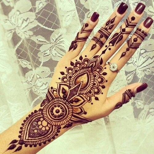 Pretty Hand Arabic Mehndi Designs