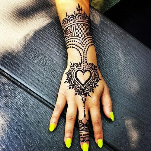 Splendid Heart Arabic Mehndi Designs