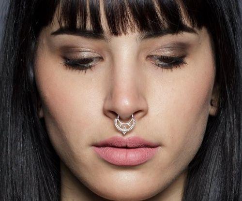 septum piercing Rihanna