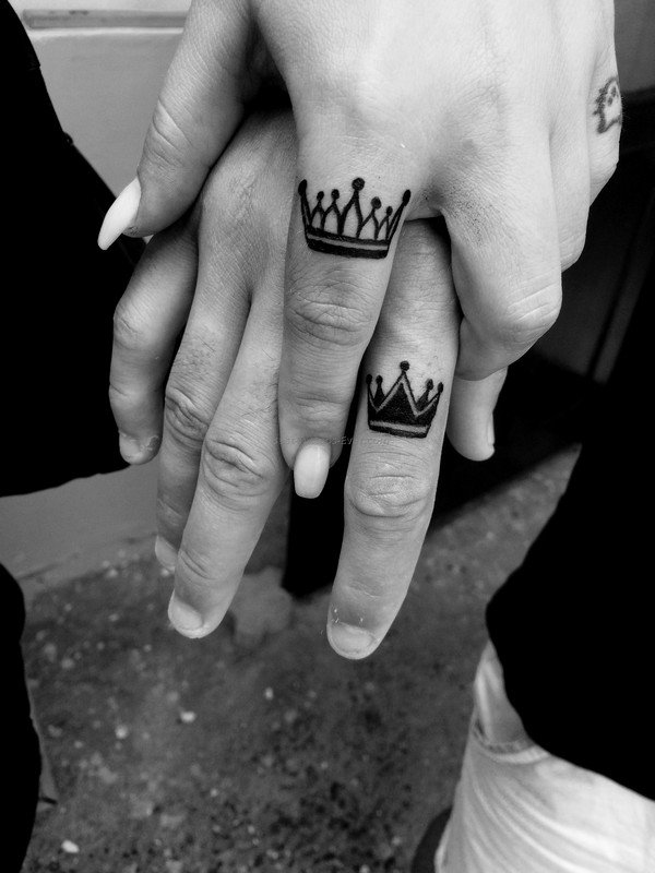 Crown Tattoo In Finger