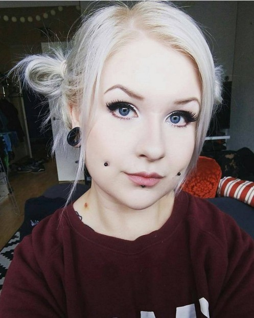 Dimple Piercing Scars