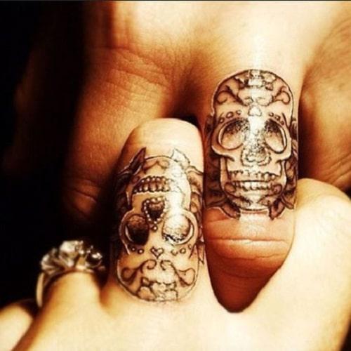 Finger Skull Couples Tattoos
