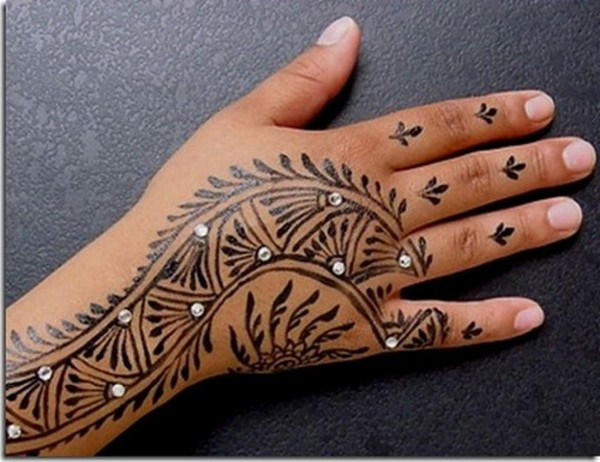 Pretty Henna Tattoos