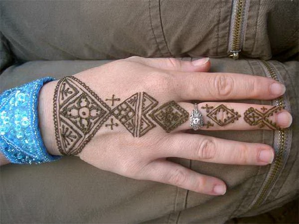 Super Cool Henna Tattoos