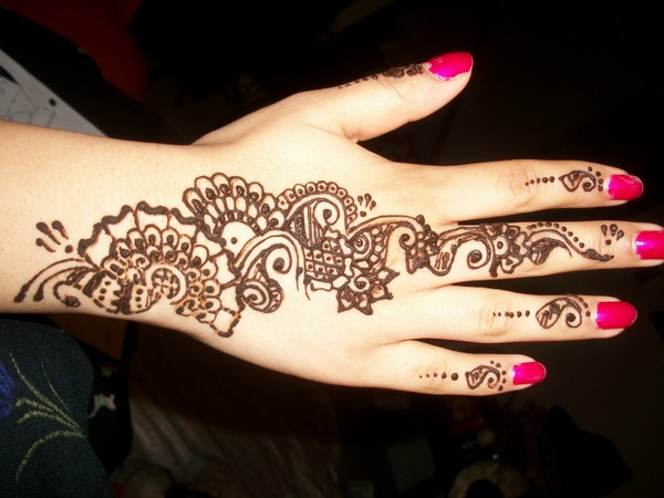 Trendy Henna Tattoo