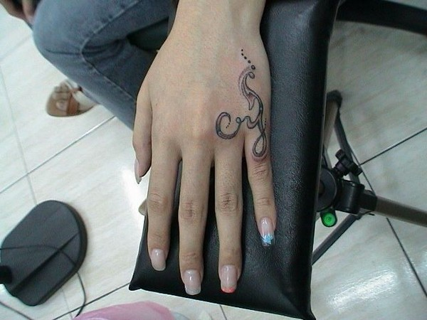 Hand Tattoos Ideas