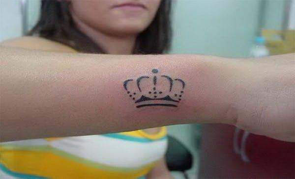 Tattoo Designs For Women's Hands