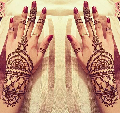 Cuff-like Bridal Mehndi Designs