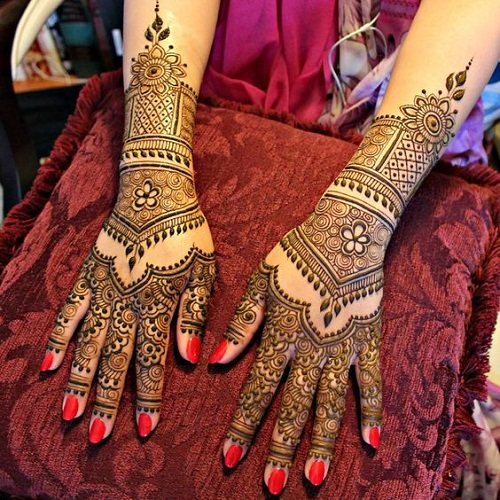 Incredible Hand Bridal Mehndi Designs
