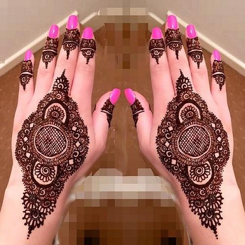 Intricate and Stylish Bridal Mehndi Designs