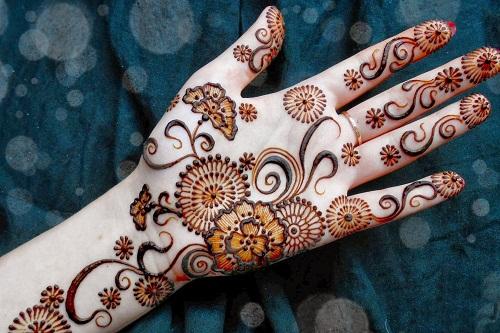 Karwa Chauth Bridal Mehndi Designs