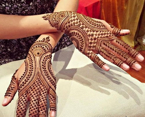 Leaves and Nets Bridal Mehndi Designs