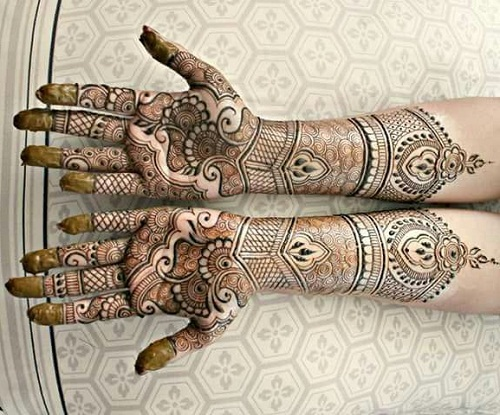 Swirls and Nets Bridal Mehndi Designs
