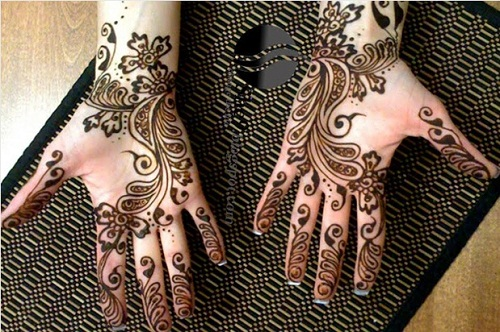 Swirls and Petals Bridal Mehndi Designs