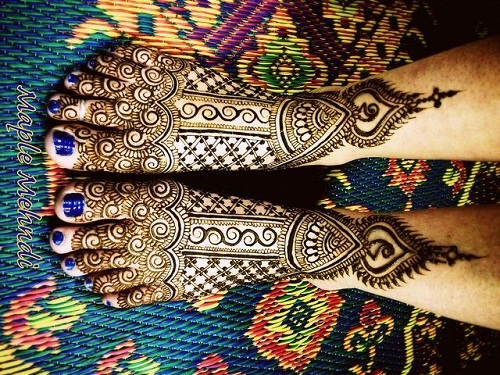 Waves and Net Bridal Mehndi Designs