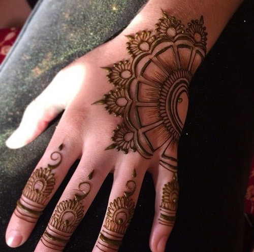 Breathtaking Flower Arabic Mehndi Designs