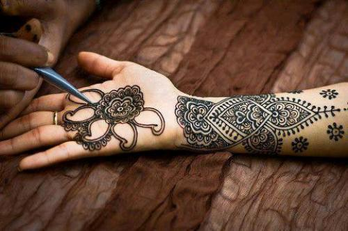 Elegant Arabic Mehndi Designs