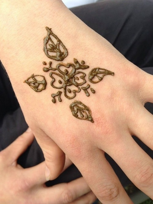 Flower with Leaves Simple Mehndi Designs