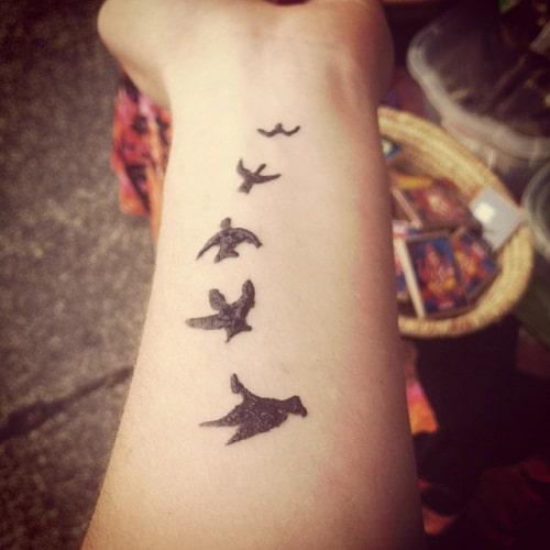 Flying Birds Simple Mehndi Designs