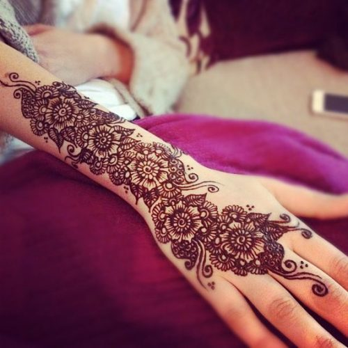 Pretty Flowers Arabic Mehndi Designs