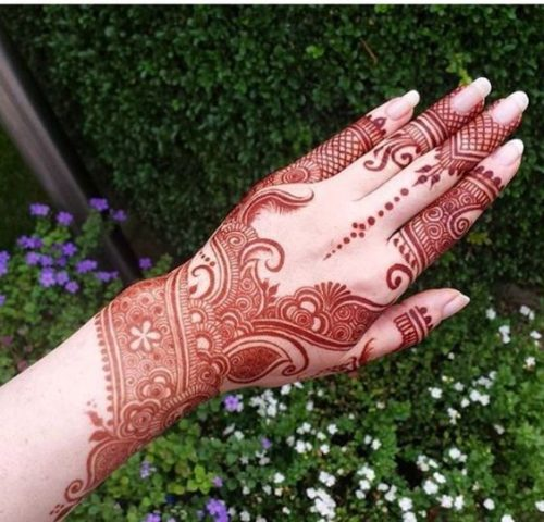 Red Arabic Mehndi Designs