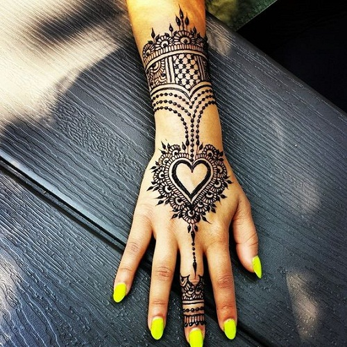 Splendid Heart Arabic Mehndi Designs