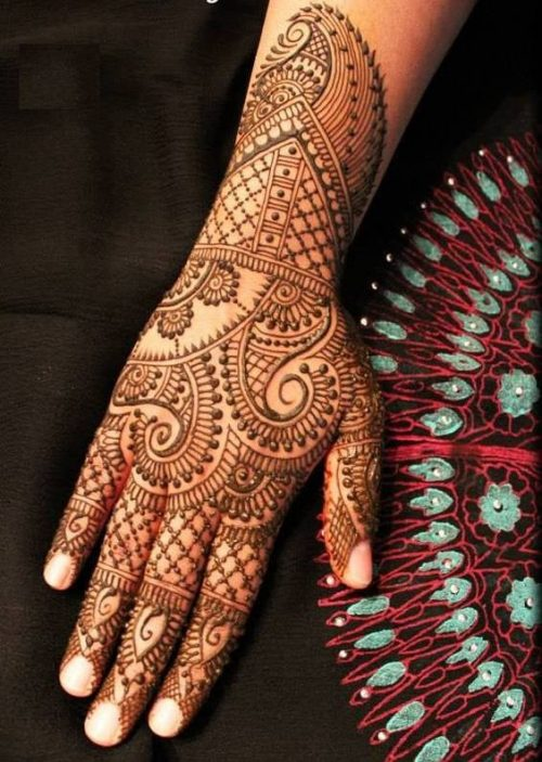 Veil and Flower Arabic Mehandi Designs for Tattoos