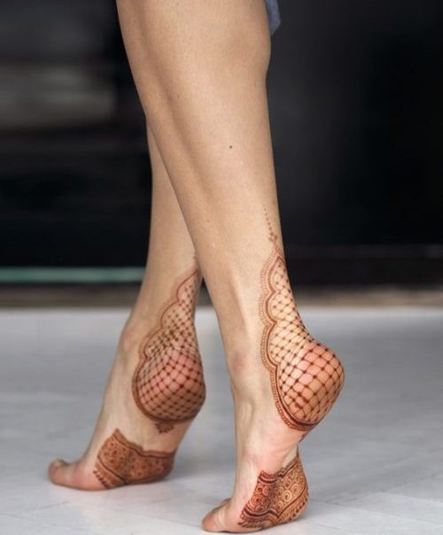 Veil on Foot Mehandi Arabic Designs