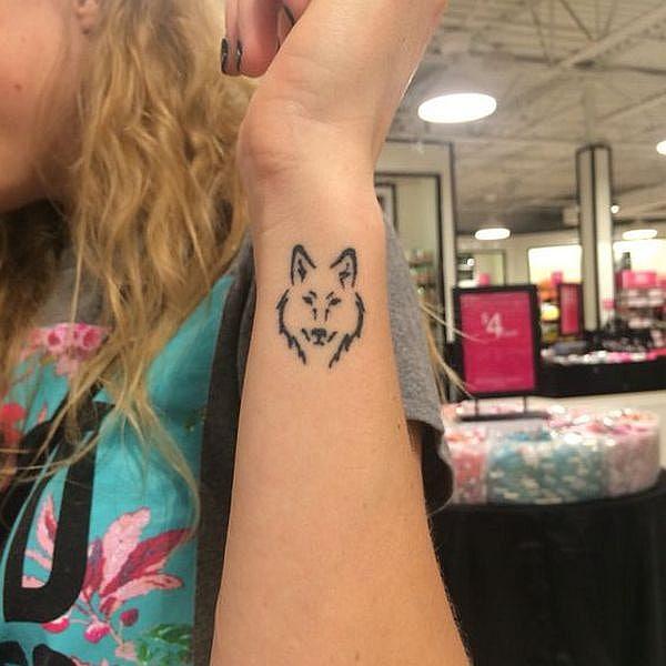 Small Wolf Tattoos Tumblr